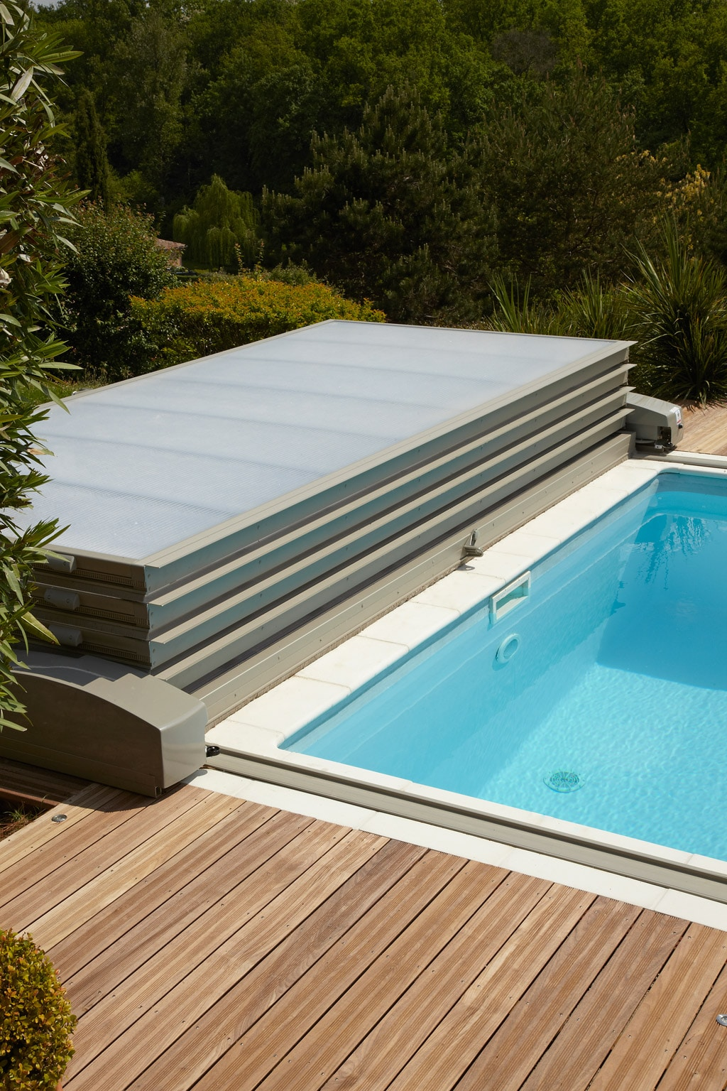Abri piscine motoris for Prix dome piscine