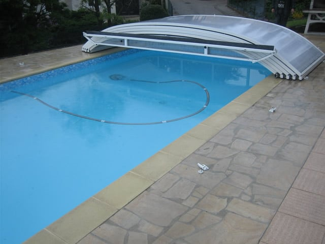 Abri piscine sans rail for Cout piscine couverte