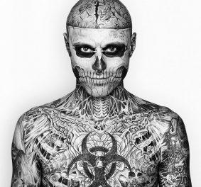 Homme tatouage squelette