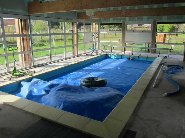 Piscine couverte chauff e for Piscine chauffee