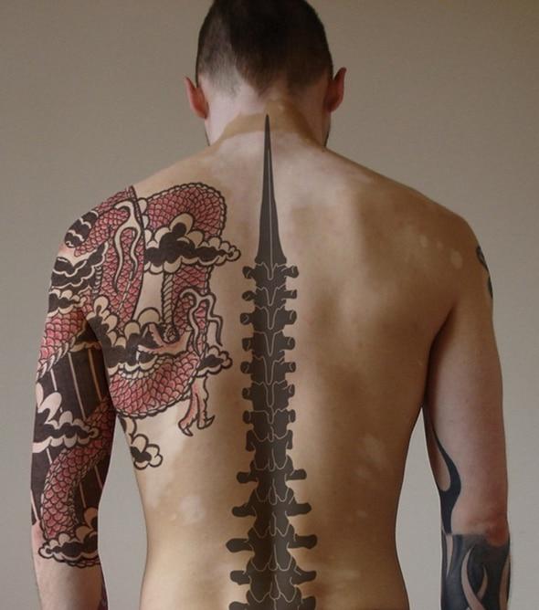 tatouage colonne vertebrale homme. Black Bedroom Furniture Sets. Home Design Ideas