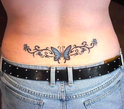 tatouage femme bas du dos