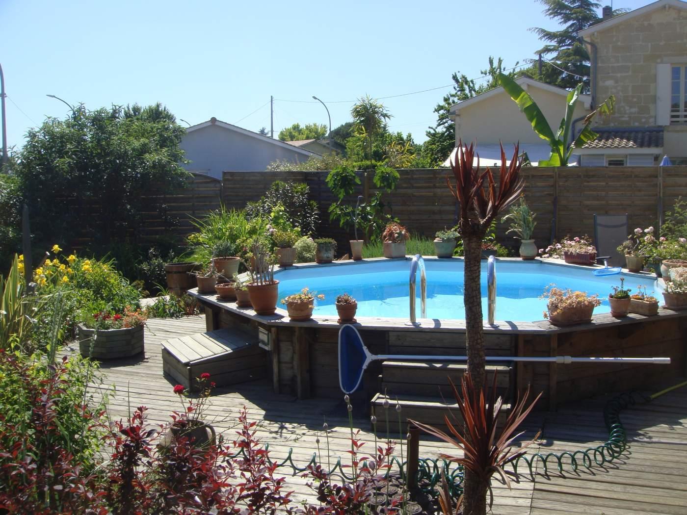 L entretien d une piscine tous les quipements que vous for Que mettre autour d une piscine