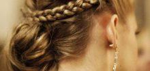 Coiffure pour invité de mariage cheveux mi-long