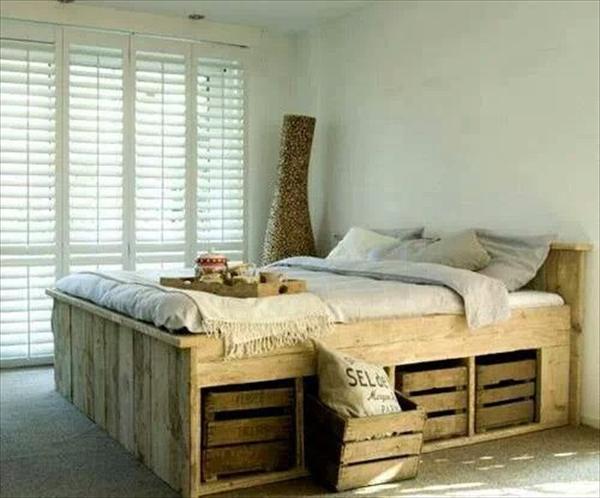 lit fait avec des palettes