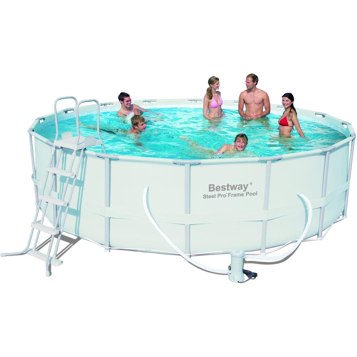 Une piscine tubulaire : il en existe de plusieurs formes
