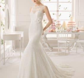 Robe de mariée près du corps