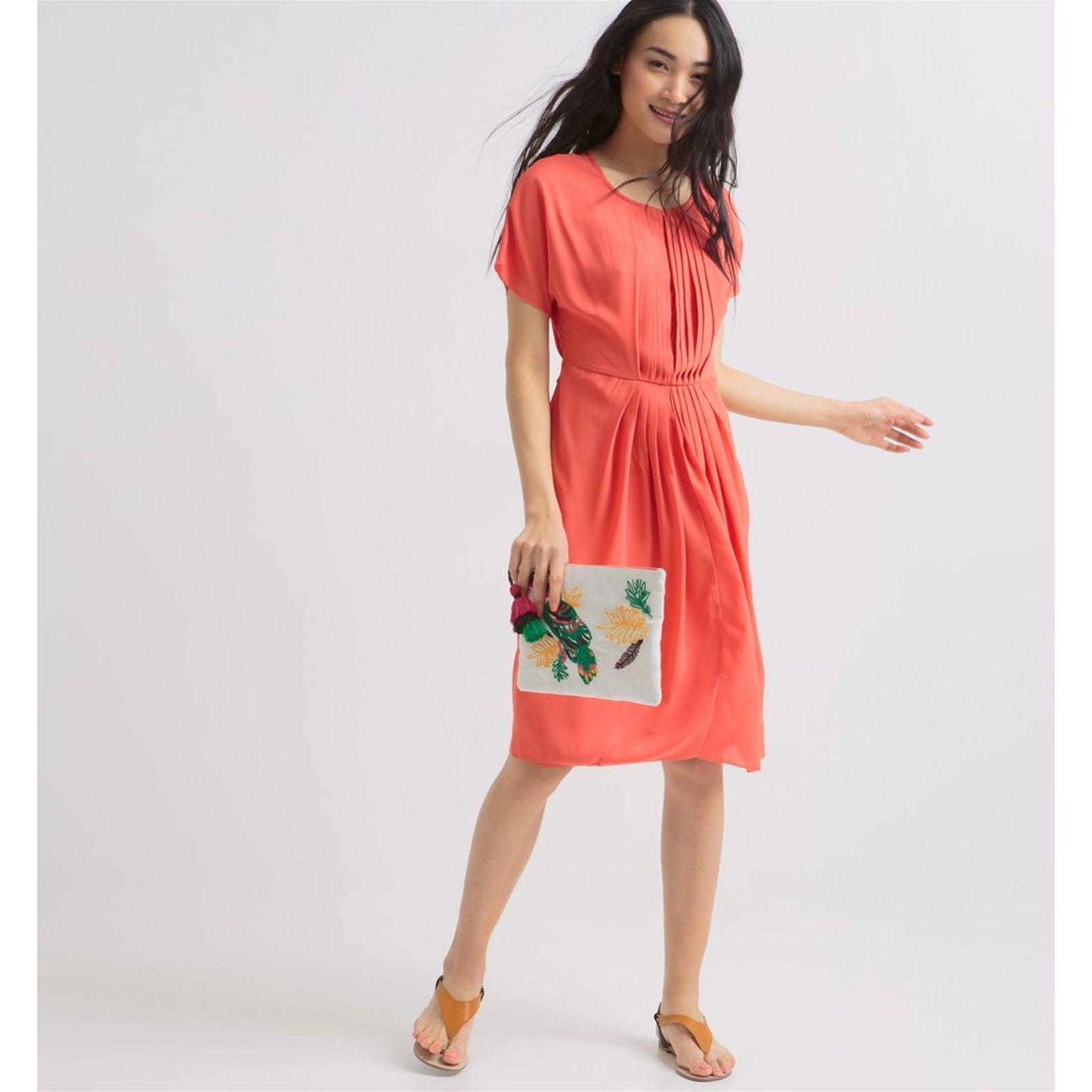 Une robe corail pour une soirée
